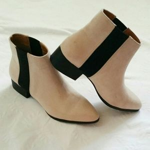 {H&M} Pointed Toe Booties NWOT